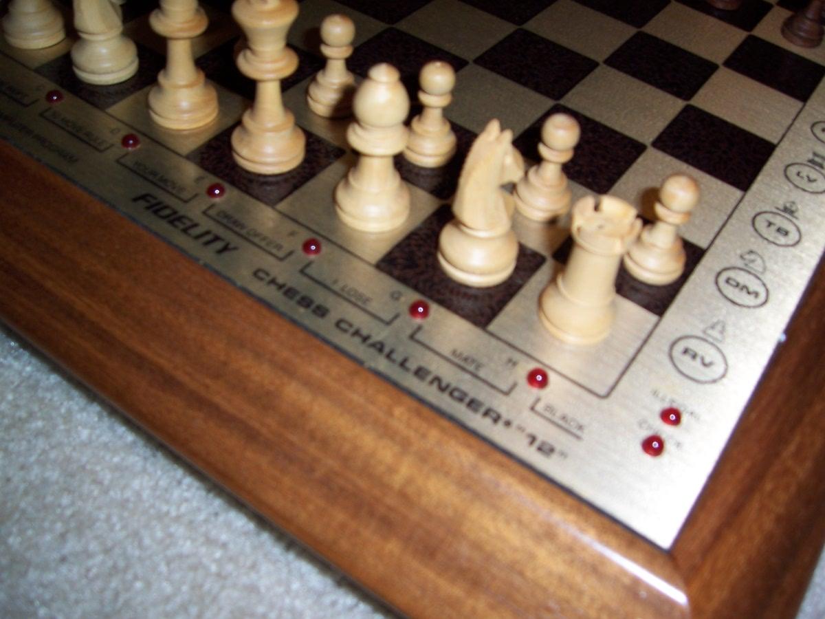 Chess_Fidelity_Sensory_Chess_Challenger_12_07.JPG